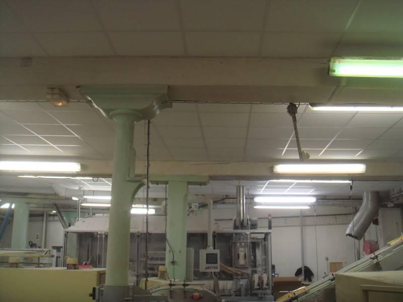 r alisation d 39 un faux plafond dans une usine de marseille r novation et agencement d 39 int rieur. Black Bedroom Furniture Sets. Home Design Ideas