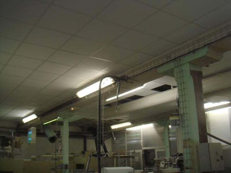 R alisation d 39 un faux plafond dans une usine de marseille for Realisation faux plafond